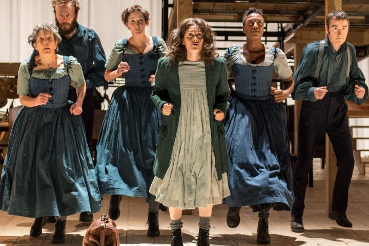 Jpeg 3. (from l to r) Maggie Tagney, Felix Hayes, Laura Elphinstone, Madeleine Worrall, Simone Saunders and Craig Edwards_Jane Eyre_credit Manuel Harlan