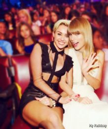 wpid-Taylor-Swift-With-Miley-Cyrus-2015-2016-2
