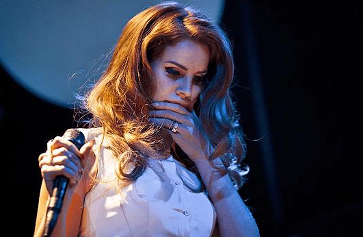 Lana del Rey (source)