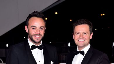 Photo of Ant McPartlin suffers embarrassing wardrobe error ahead of I'm a Celeb return