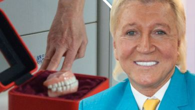Photo of TV's Benidorm pays bizarre tribute to Herbert Howe – where his FALSE TEETH are sold