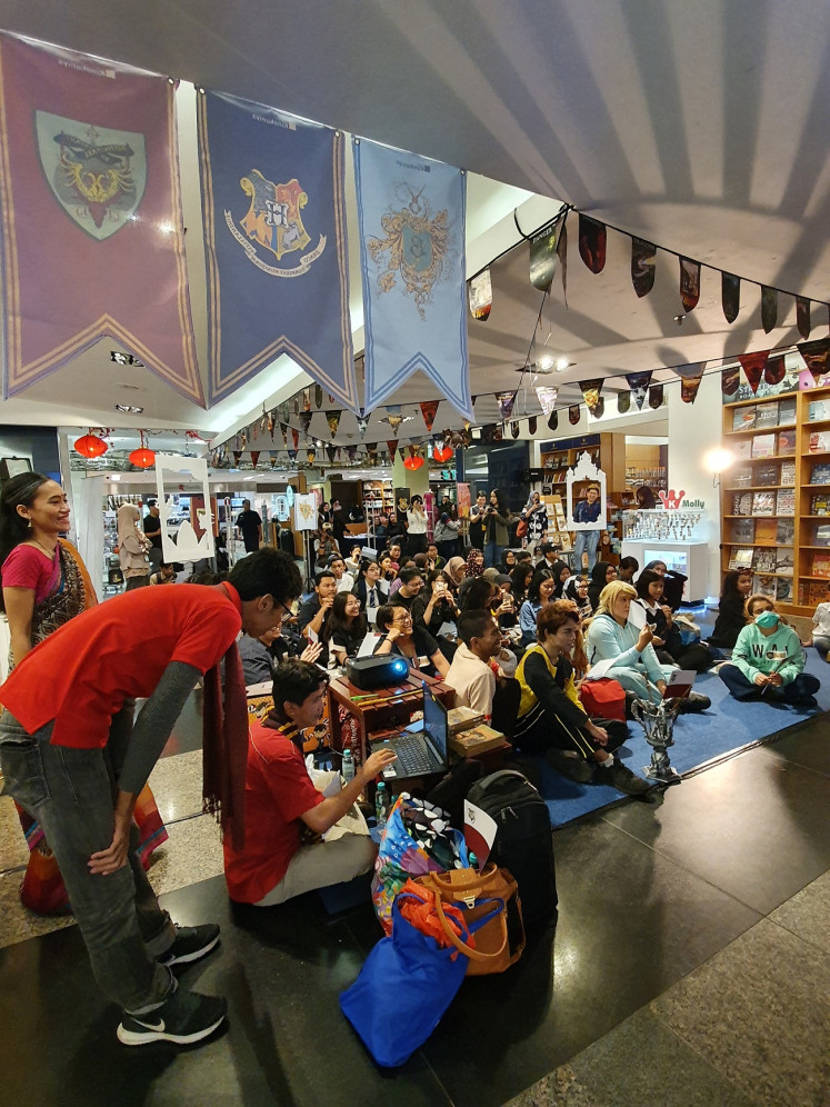 "Fan reunion: Potterheads have a blast at the ""Harry Potter Book Night"" ."