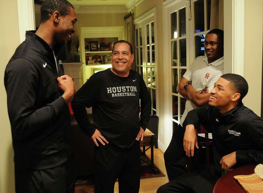For UH coach Sampson, homemaking key to team building - Houston ...