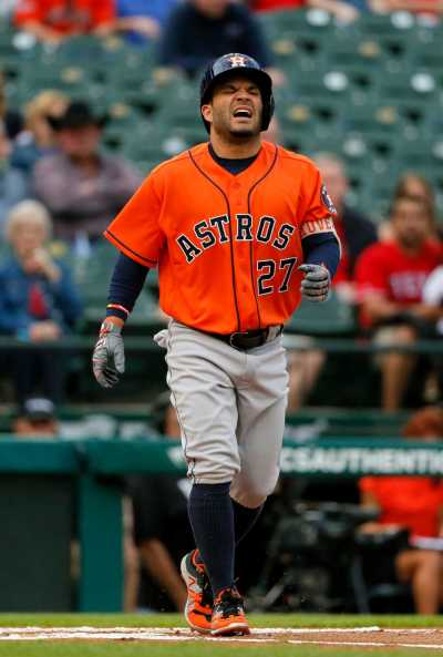 Astros report: A.J. Hinch tells Rangers pitcher signs ...