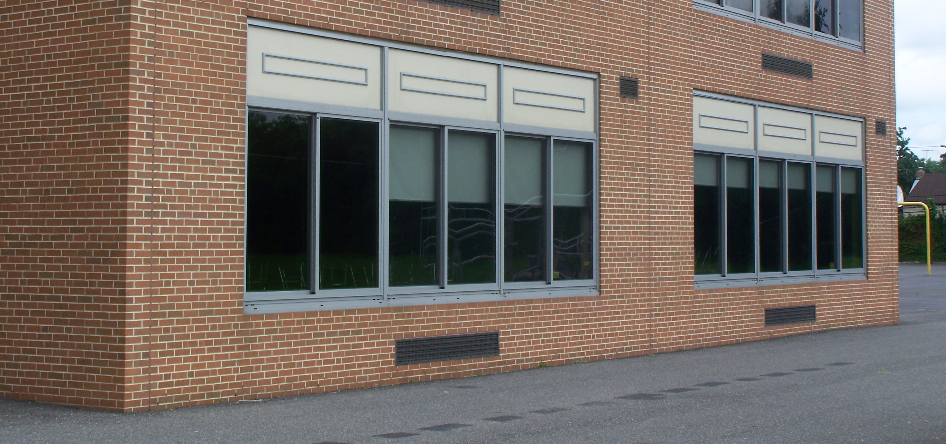 Mak Frankfurt New School Windows Resist Vandalism And Breakage Without Metal Screens