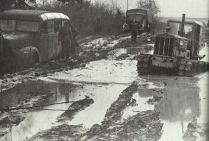 German units on muddy roads in front of Moscow: