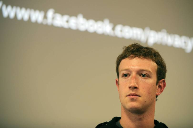 Facebook CEO Mark Zuckerberg met with conservative commentators to discuss charges the social media service's news editors have suppressed right-wing voices.