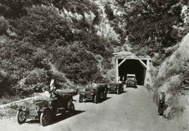 The Broadway Tunnel in the Oakland Hills, a forerunner of today's Caldecott Tunnels. (Metropolitan Transportation Commission)