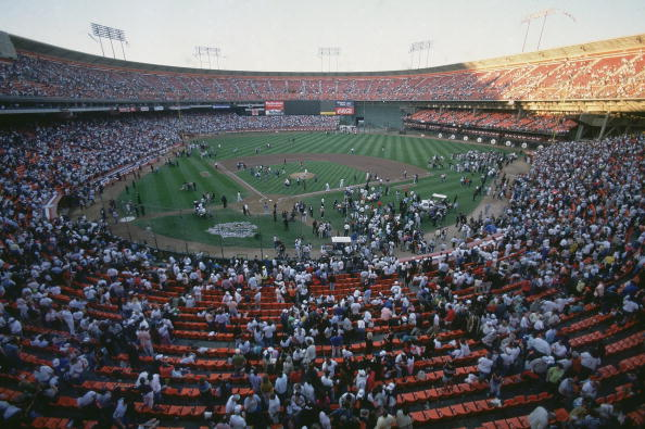 Players and fans evacuate Candlestick Park after Loma Prieta earthquake before Game 3 between San Francisco Giants and Oakland Athletics. (Richard Mackson/Getty Images)