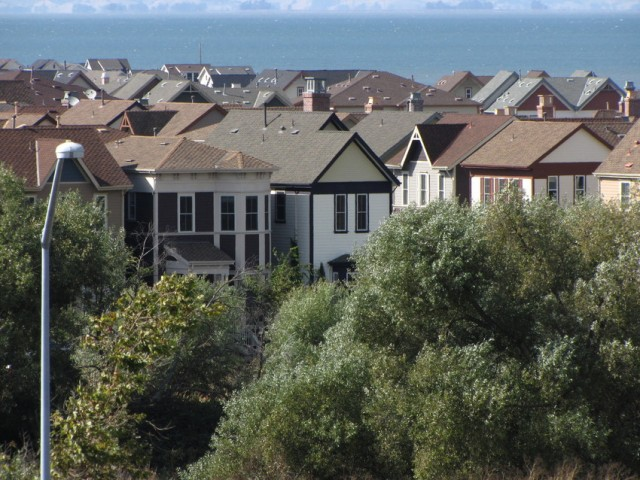 Homes in Hercules, in Contra Costa County. (Craig Miller / KQED)