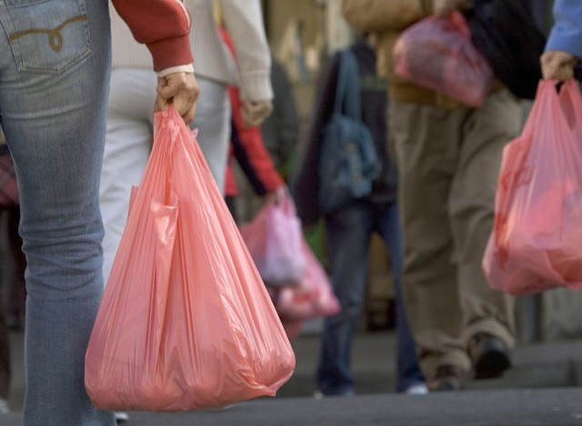 Shoppers in San Francisco's Chinatown with plastic bags. (David Paul Morris/Getty Images)