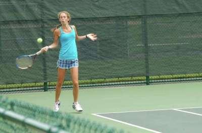 Norwalk tennis players battle in Westport Open ...