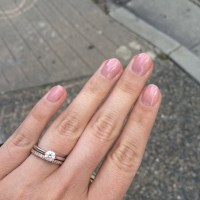 Rose gold wedding band/Platinum engagement ring? Pics please!