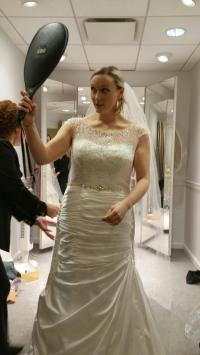Size 12-18 Brides, I want to see your wedding dress ...