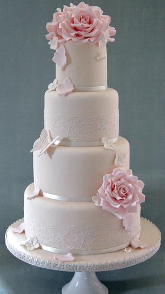 Did anyone have a semi/full dummy wedding cake?
