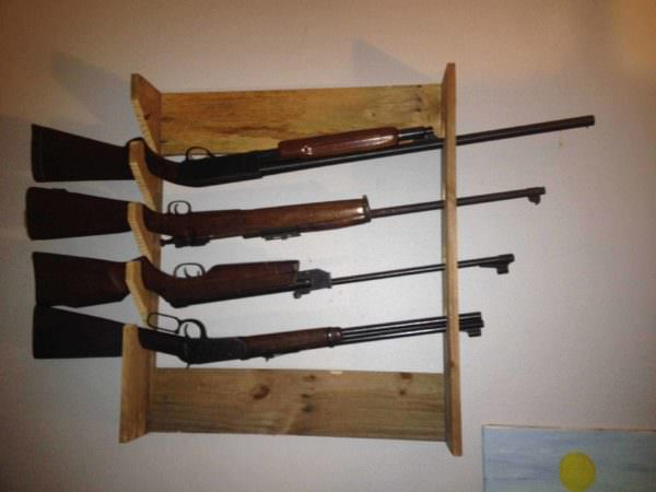 Simple Pallet Gun Rack O 1001 Pallets