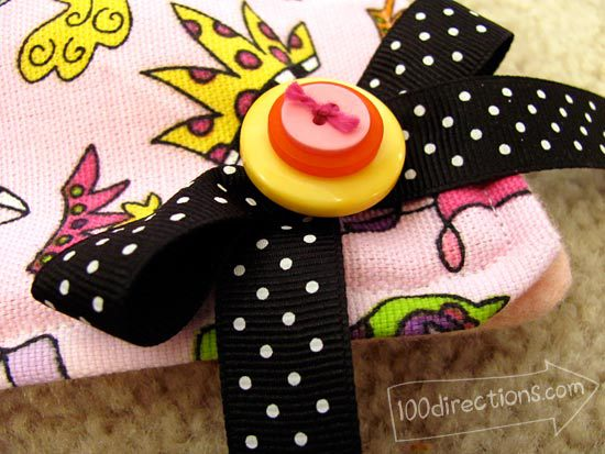 pretty button bow for doll sleeping bag