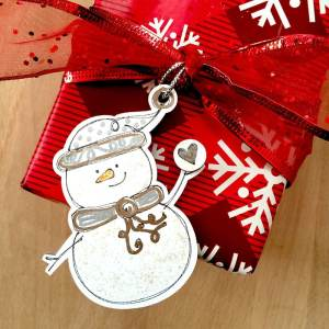 Snowman Gift Tag made with Cricut designed by Jen Goode