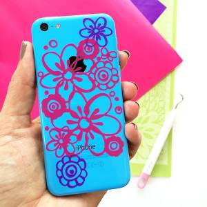 DIY Floral Vinyl iPhone Decal by Jen Goode