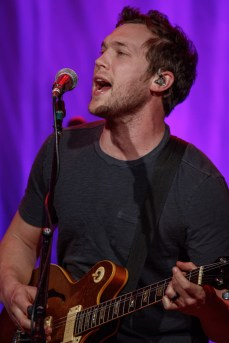 Phillip Phillips_005