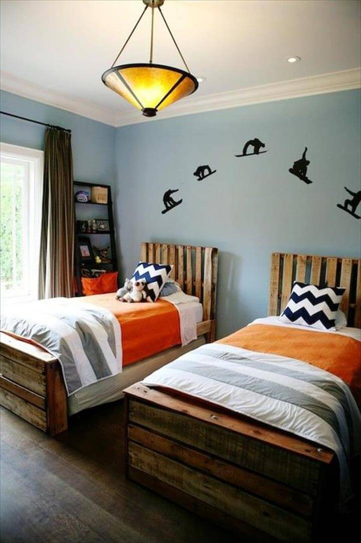 Pallet toddler s bed frame with accent headboards black stained pallet