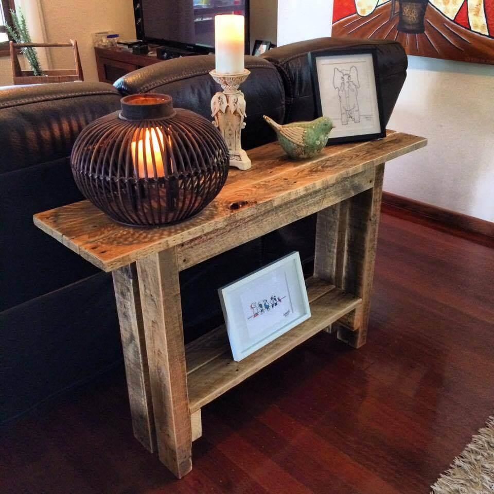 Rustic foyer table made from pallets my mom is awesome perfect christmas gift diy pinterest perfect christmas gifts foyers and pallets