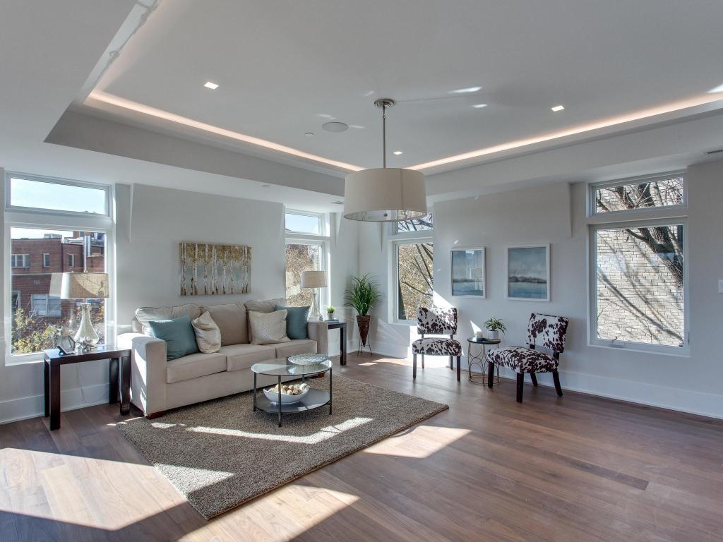 1001 Monroe St NW 5 Washington-MLS_Size-006-41-Living Room-2048x1536-72dpi