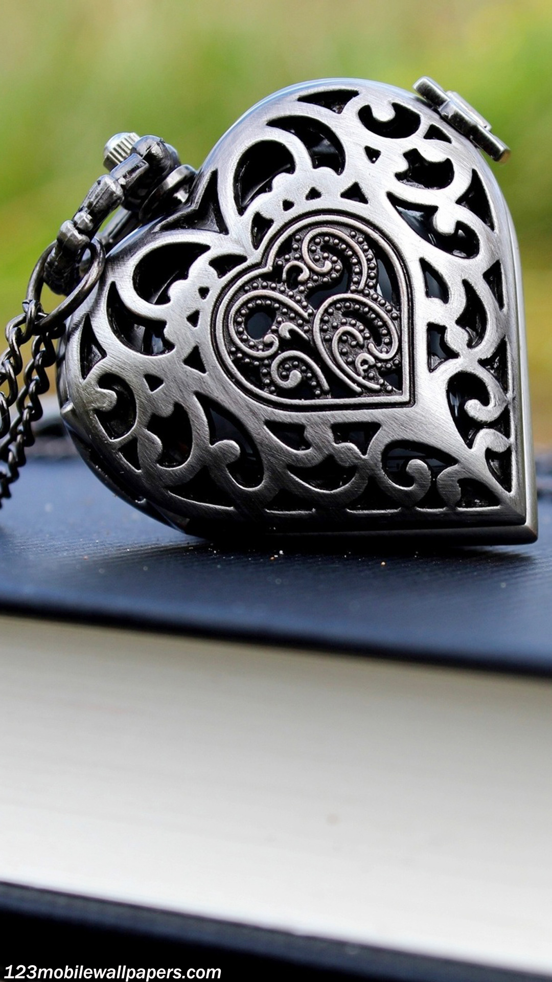 3d Couple Kissing Wallpapers Beautiful Necklace Pendant