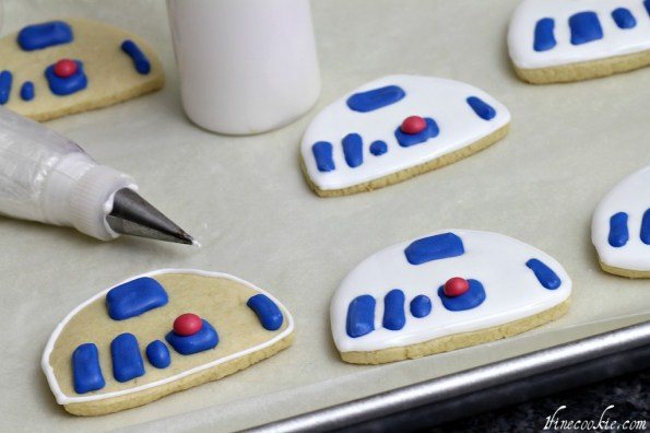 Once rectangles dry add a red dot, outline and fill with white icing