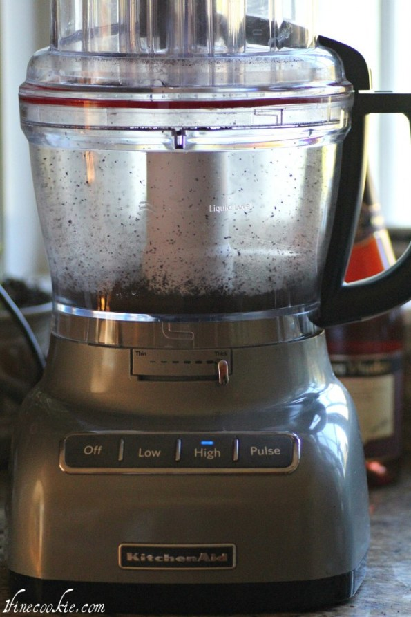 use food processor to make cookie crumbs