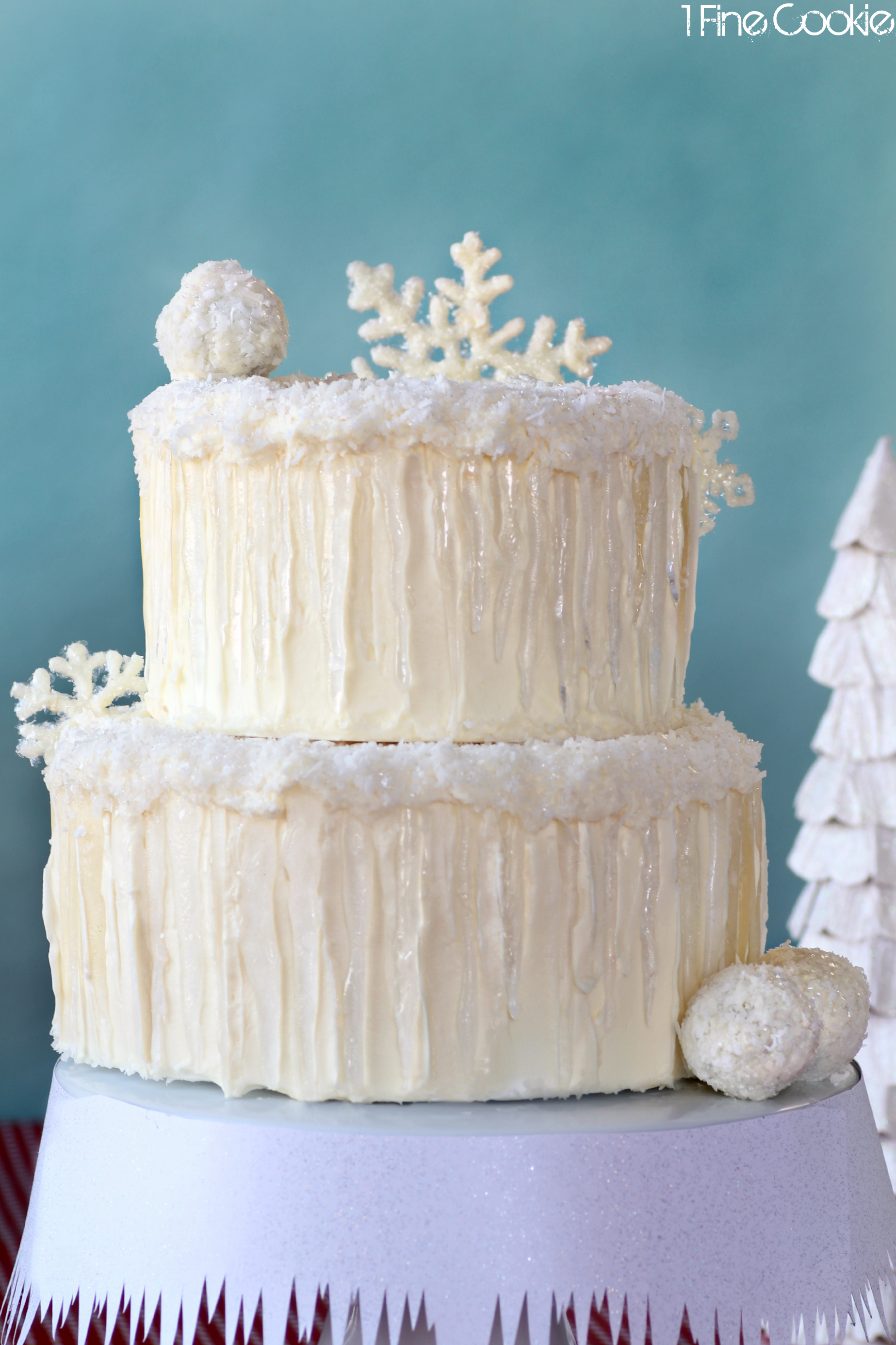 Winter Wonderland Snow Cake. Complete with snowflakes, snowballs ...