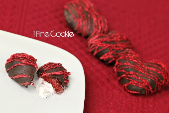 Chocolate strawberry hearts by 1 Fine Cookie