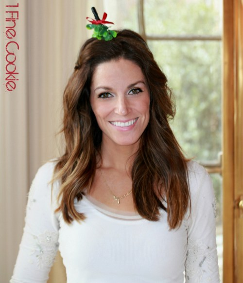 mistletoe headband , brunette, girl, holiday, photo, christmas, image, pic, mistletoe, headshot, 1 fine cookie, jasmin fine