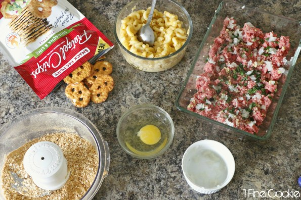 mac and cheese stuffed meatballs, mac, n, and, cheese, macaroni, filled, stuffed, meat, meatballs, pretzel, crusted, pretzel crisps, recipe, food, porn, savory, party, ideas, lunch, dinner, appetizer, finger, hack, copycat, delicious, gooey, winter, food, comfort, man, men, easy,