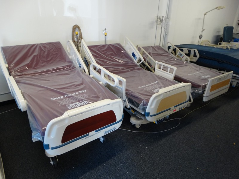 Full electric hospital beds for sale 858 731 7278
