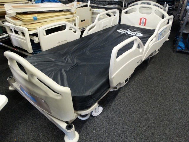 1 Hill Rom Advance 1000 Series Bed for sale