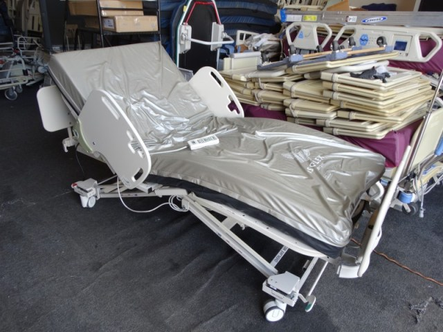 Sizewise low bariatric hospital bed for sale