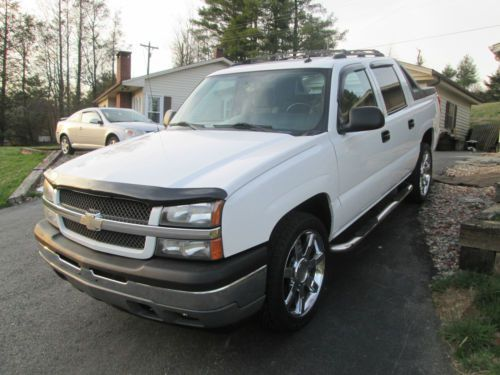 Buy Used 2005 Chevrolet Avalanche 1500 2wd Crew Cab White