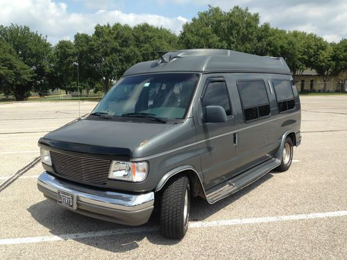Sell used 1993 Ford E-150 Econoline, Hgh topper conversion Van, 58L