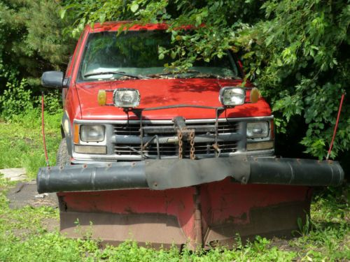 Purchase used Chevy K2500 4X4 with Boss V Plow Truck MECHANIC