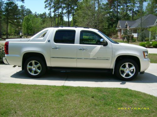 Buy Used 2013 Chevrolet Black Diamond Avalanche Ltz In