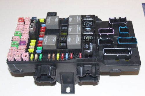 Sell 2003 Ford Expedition Navigator Interior Cabin Junction Fuse Box