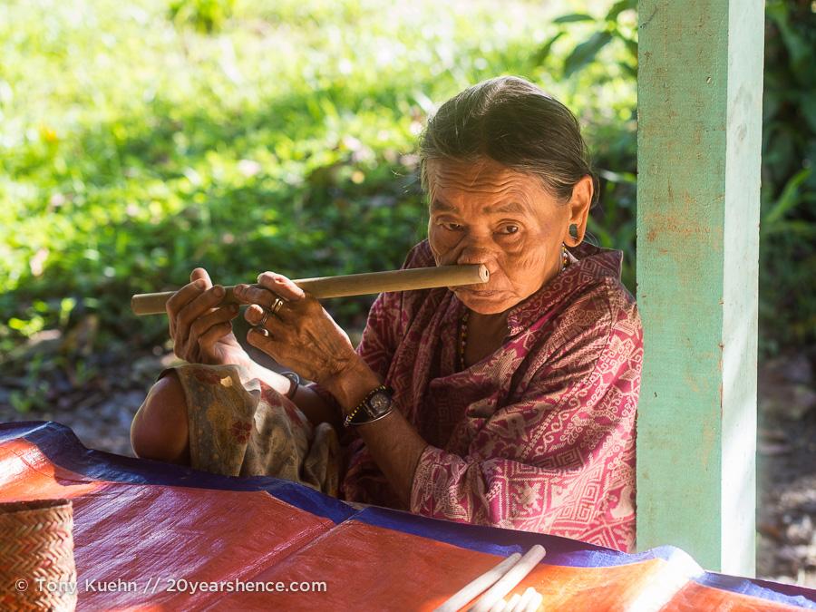 A local tribe member in Mulu National Park