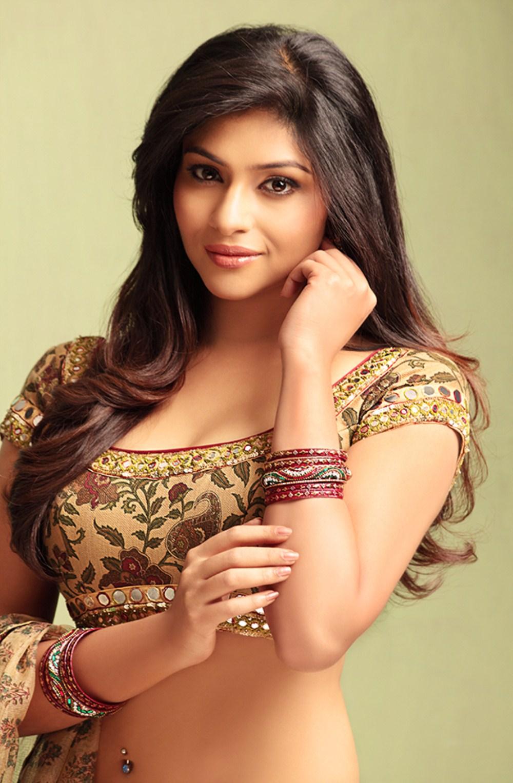 Punjabi Girl Wallpaper Full Hd Lakshmi Devi Nair Hot Photo Shoot 25cineframes