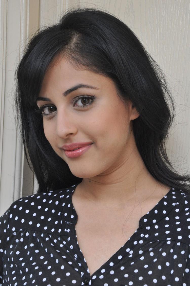 Jr Ntr Hd Wallpapers Priya Banerjee In Black 25cineframes