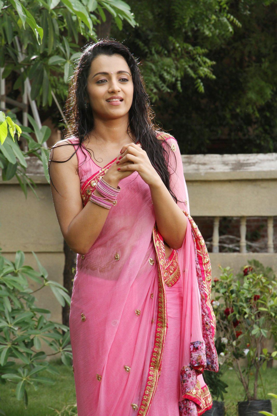 Makkhi Movie Hd Wallpaper Actress Trisha Krishnan Wet Hot Ultra Hd Photos In Pink