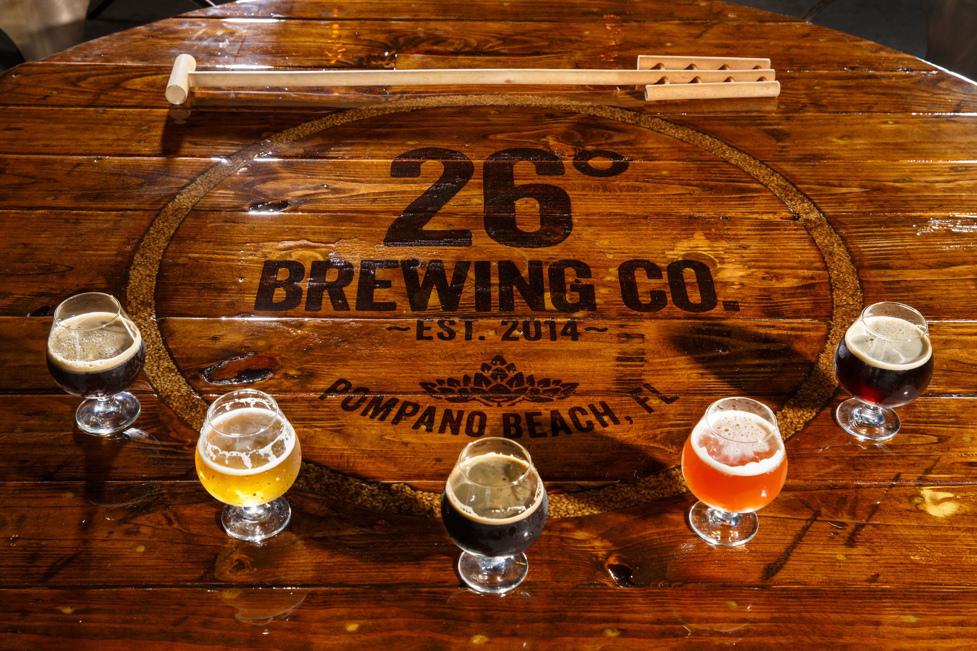 26-Brewing-Table-with-5beers