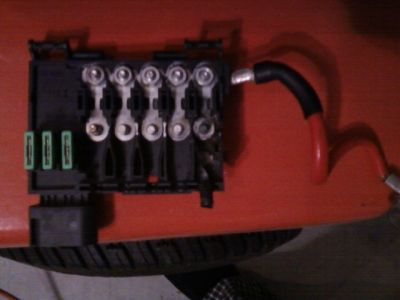 2003 Volkswagen Beetle Battery Fuse Box While Driving the Car