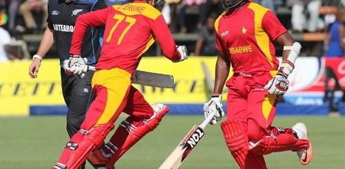 Ervine and Masakadza during their partnership PIC: Zim Cricket