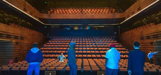 Insingizi at Wuxi Grand Theatre